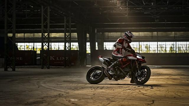 画像: Ducati Hypermotard 950 SP - Game On! youtu.be