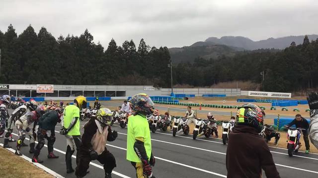 画像: レンタルバイク耐久遊び『レン耐』 on Twitter twitter.com
