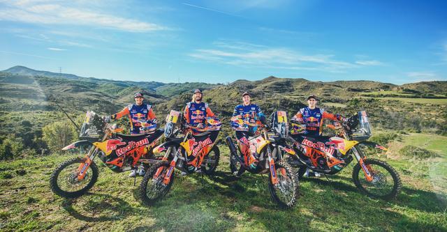 画像: KTMのファクトリーチームは過去に優勝経験を持つ3選手を4名のライダーが参戦