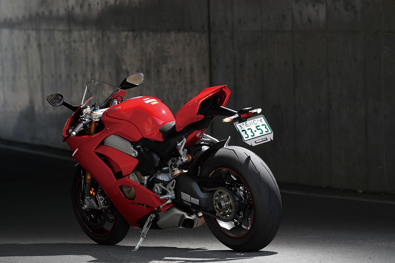 Images : 1番目の画像 - 「【DUCATI PANIGALE V4S/V4R】サーキットでGPライダー気分に浸れる【ベストヒット番付2019】」のアルバム - LAWRENCE - Motorcycle x Cars + α = Your Life.