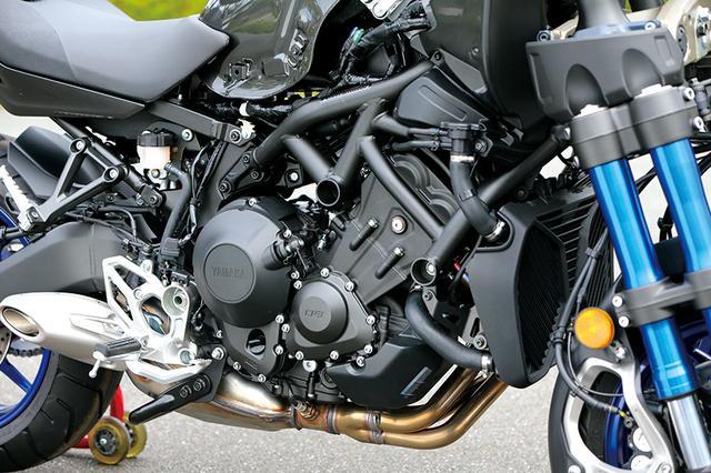 画像: MT-09にも搭載されているCP3エンジンを採用。コンパクトでパワフルなユニットだ。
