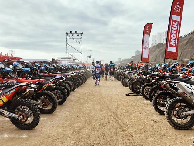 画像: 2輪カテゴリーには、ホンダ、ヤマハ、KTM、ハスクバーナ、Hero Speed brainなどの137台が参加する。そのうちの約7割がKTM(ハスクバーナ含む)のマシンだ。