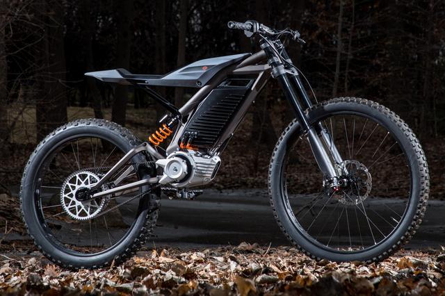 画像1: 電動バイク時代のリーダーを目指すH-Dの新型車は、軽量モデルだった!