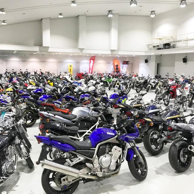 画像: どーんと広い会場を埋め尽くす販売車両。さらに今年は会場が2倍に広がっています!