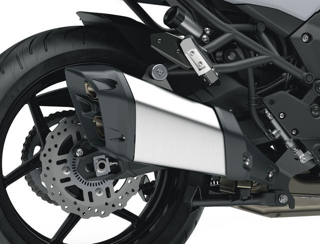 画像: サイレンサーは車体のスタイリングに合うよう短めでコンパクトなデザインが採用されました。