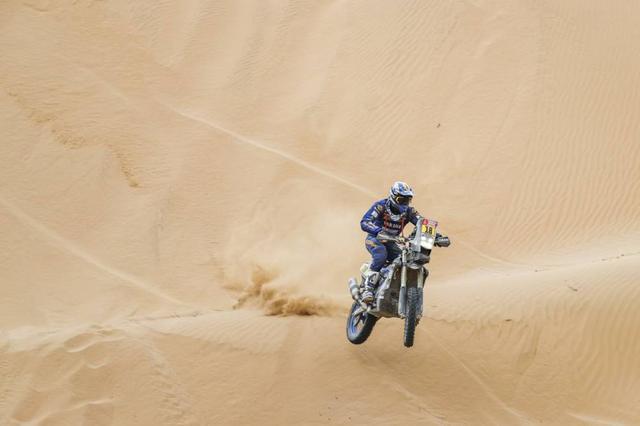 画像: 砂丘が続く難しいステージでも安定した走りを見せ、ステージ5を2位でフィニッシュした、X.ド・スルトレ(ヤマハ)。