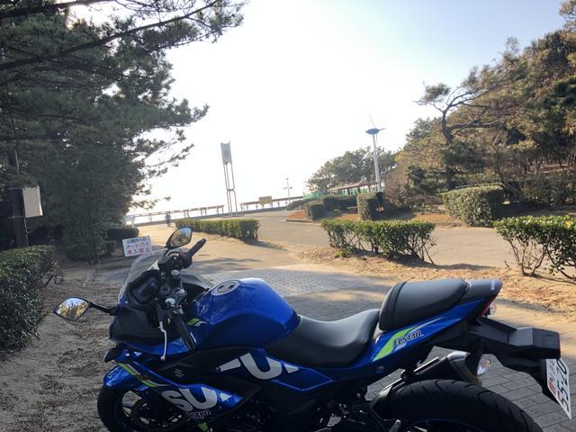 画像: (自転車とバイク兼用駐輪場)