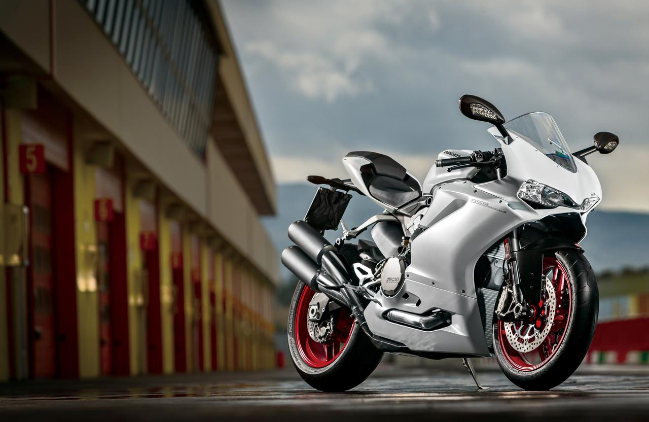 Images : 1番目の画像 - 「排気量拡大で更なる進化!史上最強のミドルパニガーレ【DUCATI 959 PANIGALE】(2016年)」のアルバム - LAWRENCE - Motorcycle x Cars + α = Your Life.