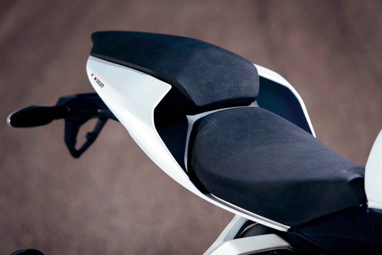 Images : 10番目の画像 - 「排気量拡大で更なる進化!史上最強のミドルパニガーレ【DUCATI 959 PANIGALE】(2016年)」のアルバム - LAWRENCE - Motorcycle x Cars + α = Your Life.
