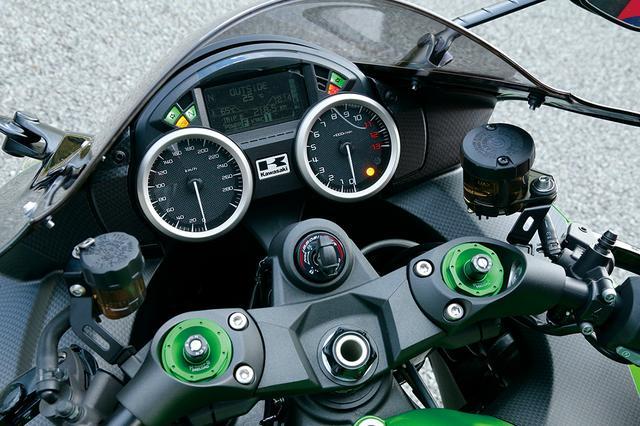 画像2: バイク界最強の適応力を持つ懐の深いフラッグシップ!