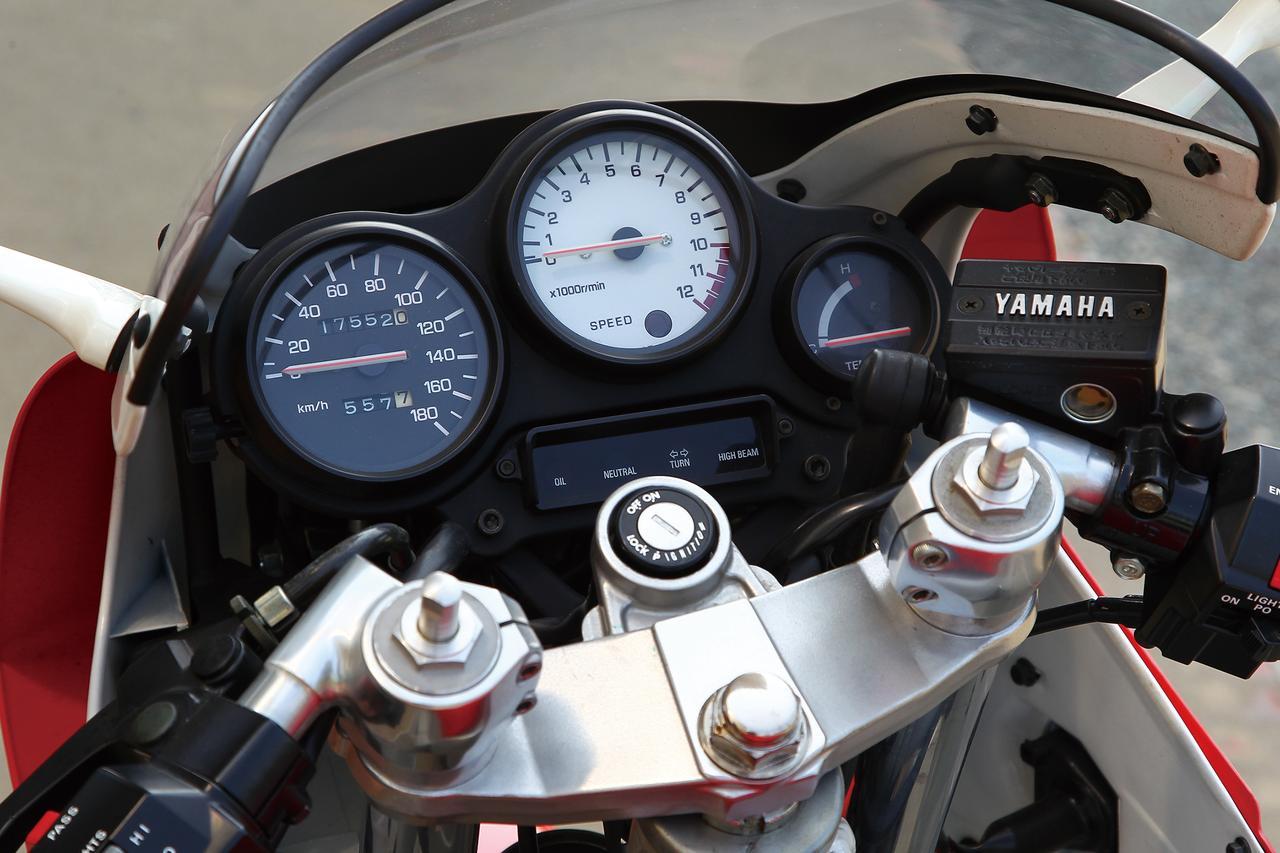 Images : 1番目の画像 - 「ハンドリングのヤマハを体現する2スト・レプリカ第二世代【YAMAHA TZR-250】」のアルバム - webオートバイ