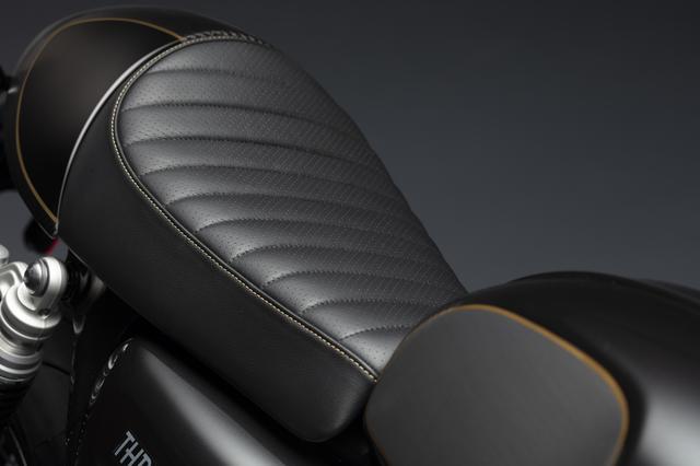 画像: ステッチディテールを施した美しいシート。素材は本革!
