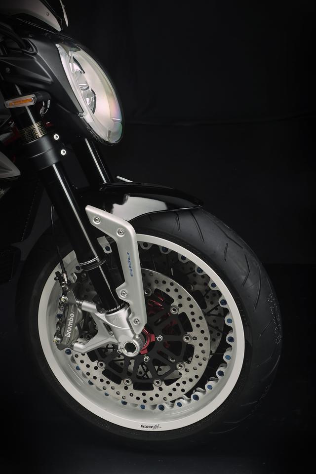 画像3: メーカー希望小売価格は247万3,200円(税込)、発売予定は2019年2月です。