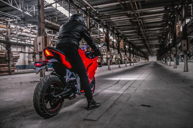 画像: バイクを身近に感じられるサイズと価格設定。セカンド・バイクにもありかも!?