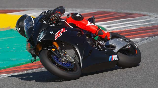 画像: ニューマシンS1000RRを駆るサイクス 相方のレイテルバーガーはSTK1000チャンピオンです!