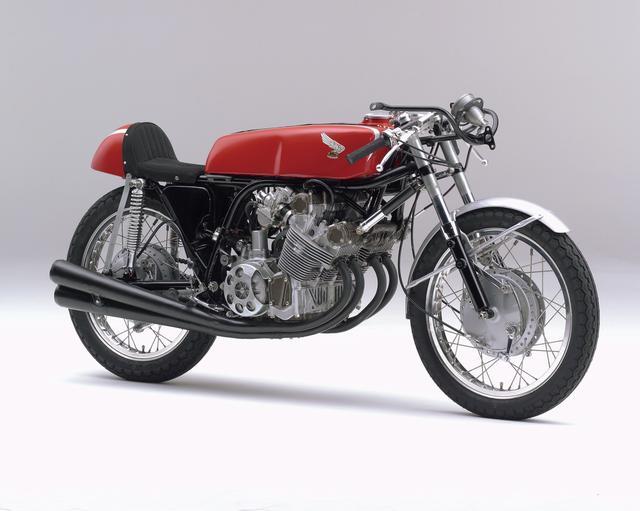 画像: HONDA RC162(1961) 1961年の世界選手権ロード第2戦の西ドイツGPの250ccクラスで、高橋国光選手により日本人ライダーによる初優勝をもらたしたマシン。出場した10戦で全勝し、初の世界制覇車となった。 ●空冷4ストDOHC4バルブ並列4気筒●249.37cc●45PS以上/14000rpm●NA●126.5kg●NA