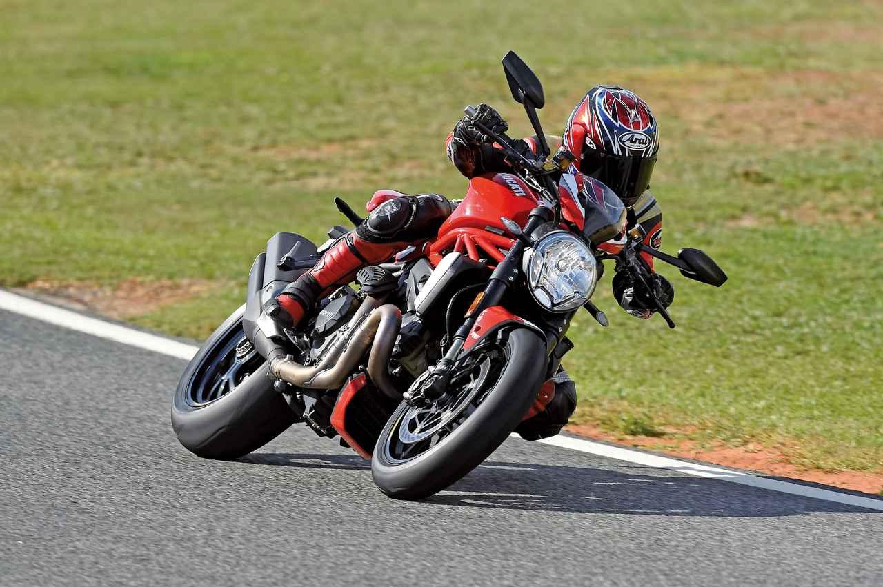"""Images : 2番目の画像 - 「史上最強160HP!かつてない""""強心臓""""のモンスター、発進!【DUCATI Monster1200R】(2015年)」のアルバム - LAWRENCE - Motorcycle x Cars + α = Your Life."""