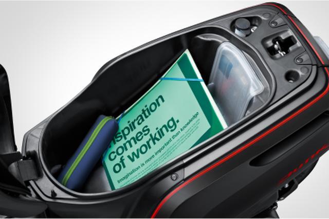 画像2: 新採用の「マットアルタイルシルバーメタリック」と「イオンブルーメタリック」を含む計6色での展開