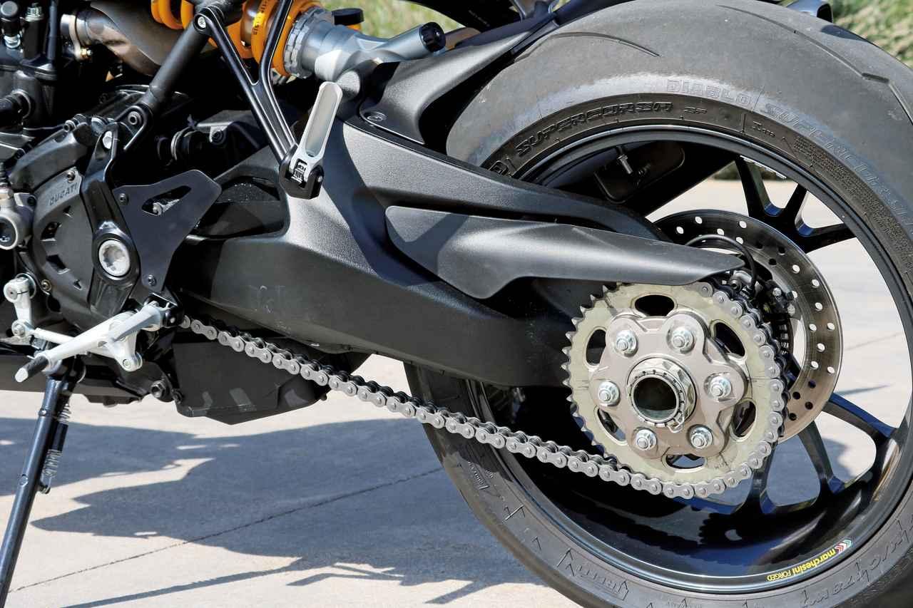 """Images : 11番目の画像 - 「史上最強160HP!かつてない""""強心臓""""のモンスター、発進!【DUCATI Monster1200R】(2015年)」のアルバム - LAWRENCE - Motorcycle x Cars + α = Your Life."""