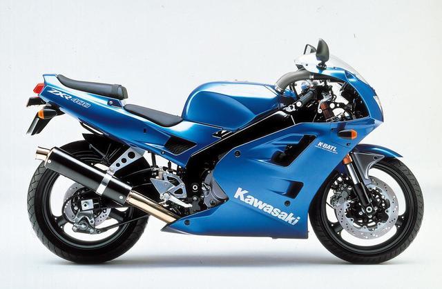画像: KAWASAKI ZXR400/R(1991/2) ●水冷4ストDOHC4バルブ並列4気筒●398㏄ ●59PS/12000rpm●4.0㎏-m/10000rpm●160㎏ ●120/60R17・160/60R17 ●73万9000円(Rは83万9000円)当時価格
