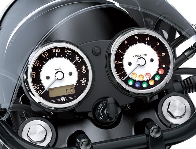 画像: メーターはトラディショナルな二眼式。速度計の液晶画面でオド、トリップ、時計を切り換え表示し、右のタコメーター内に各種インジケーターを配備する。