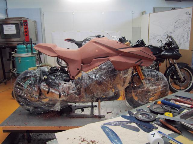 画像5: アトリエに初代カタナを持ち込んで創られた「原型」