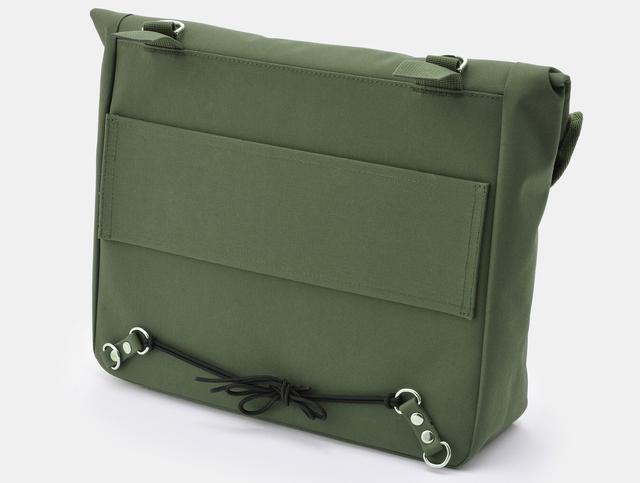 画像4: シリーズで初めての防水設計が採用された「DHS-9 防水サドルバッグMIL」です。