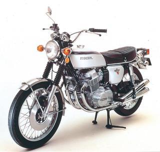 1972年4月[K2]