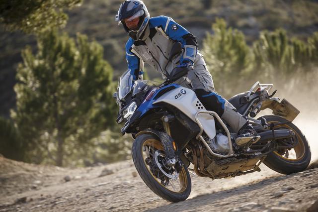 画像1: 2月13日発売開始! 新型「BMW F 850 GS Adventure」は550kmの航続走行が可能!?