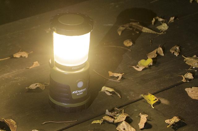画像4: 白色・昼白色・暖色の調光ができるのがポイントで、明るさは無段階で調整可能。