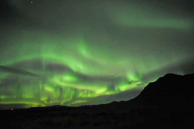 画像: アイスランドのツアーではオーロラを見られる可能性だってあります。