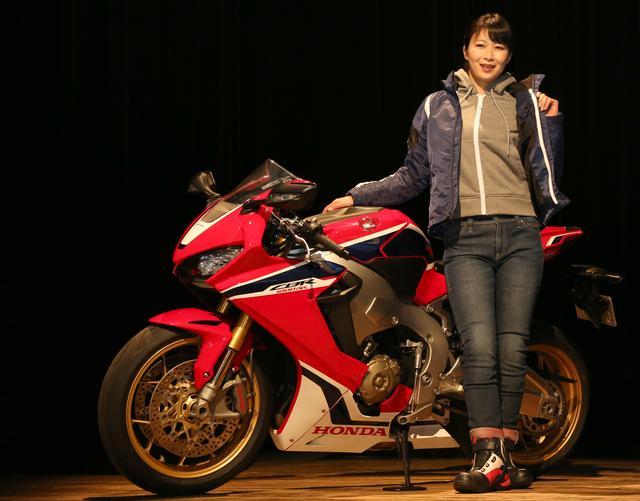 画像1: 「オートバイ女子部」平嶋夏海さんが選んだ好みのアイテム5選もご紹介します!!