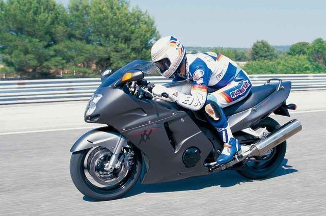画像: 「最速」を奪取するために誕生したホンダ渾身のメガスポーツ【HONDA CBR1100XXスーパーブラックバード】