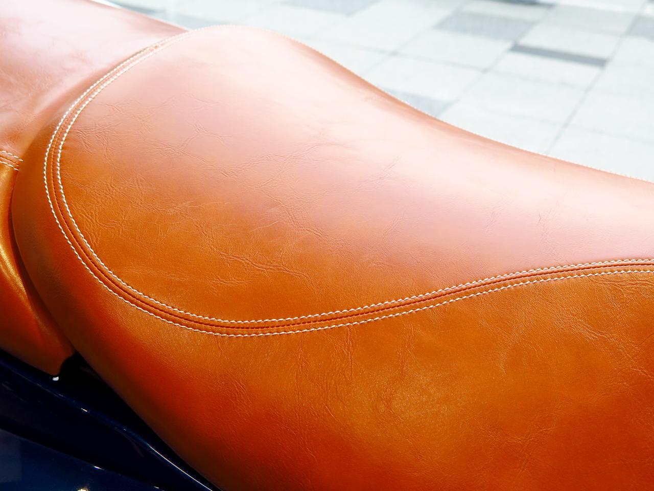 Images : 3番目の画像 - 気品ある質感。ムラをあえて出したシートの表皮も高級感満点! - webオートバイ