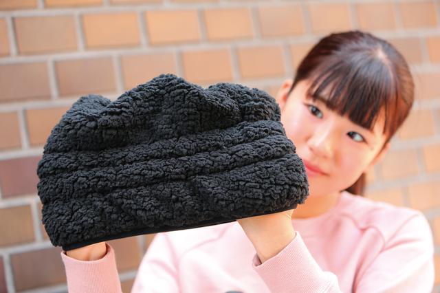 画像: 首全体を覆い尽くすほどの高さが暖かさの秘密