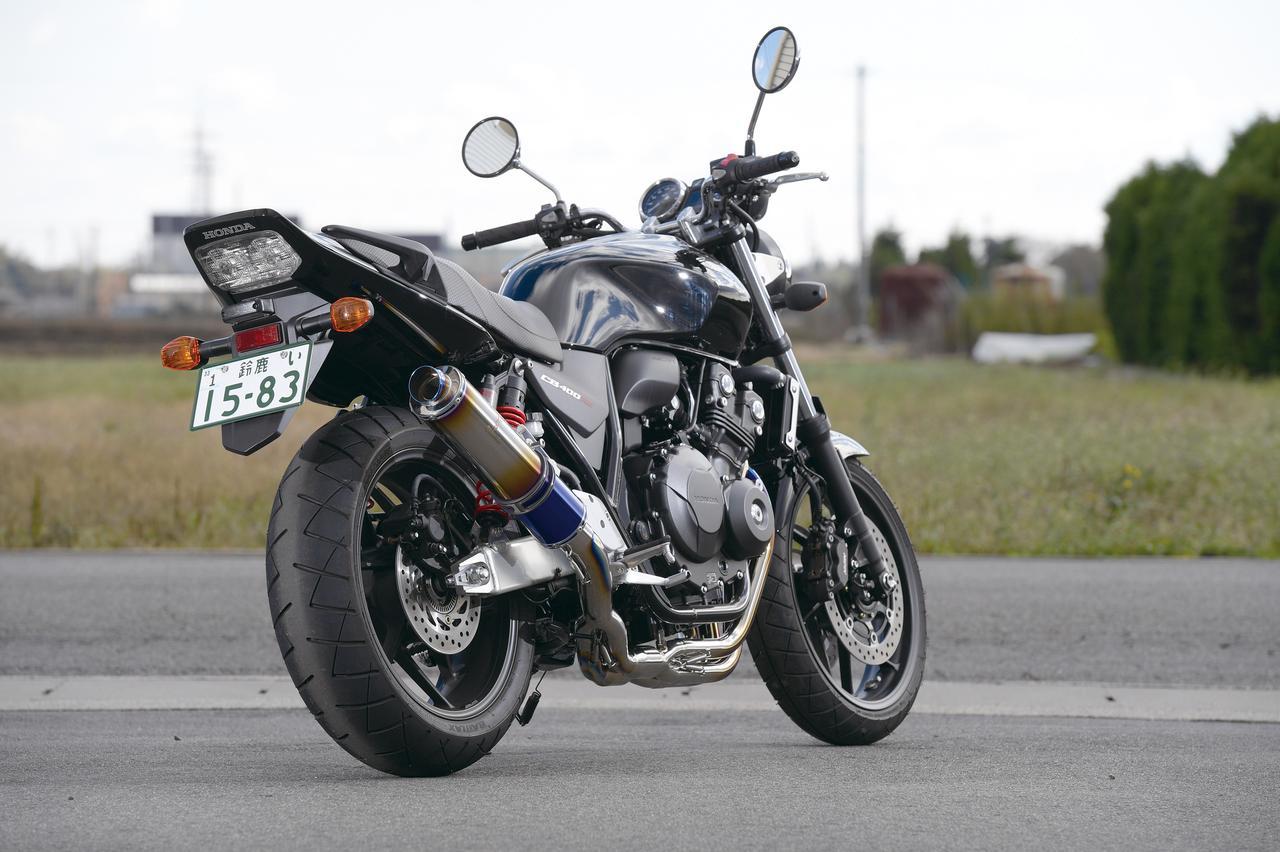 Images : 2番目の画像 - 「初代登場当時の人気デザインを再現『WYVERN Classic Titan クラシックチタン シングルタイプ フルエキゾースト』」のアルバム - webオートバイ