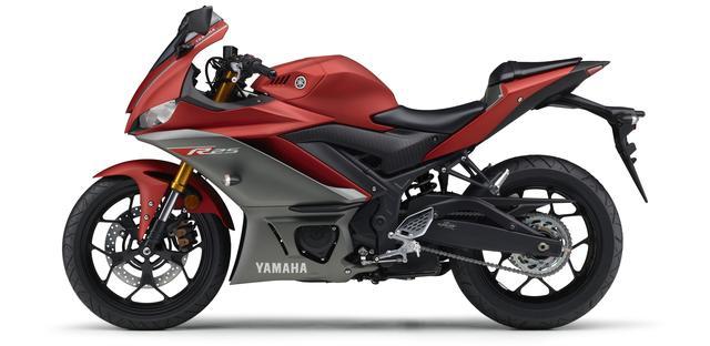 画像20: ヤマハ新型YZF-R25は3月28日発売開始! 「YZR-M1」を彷彿させるスポーティな外観に一新!
