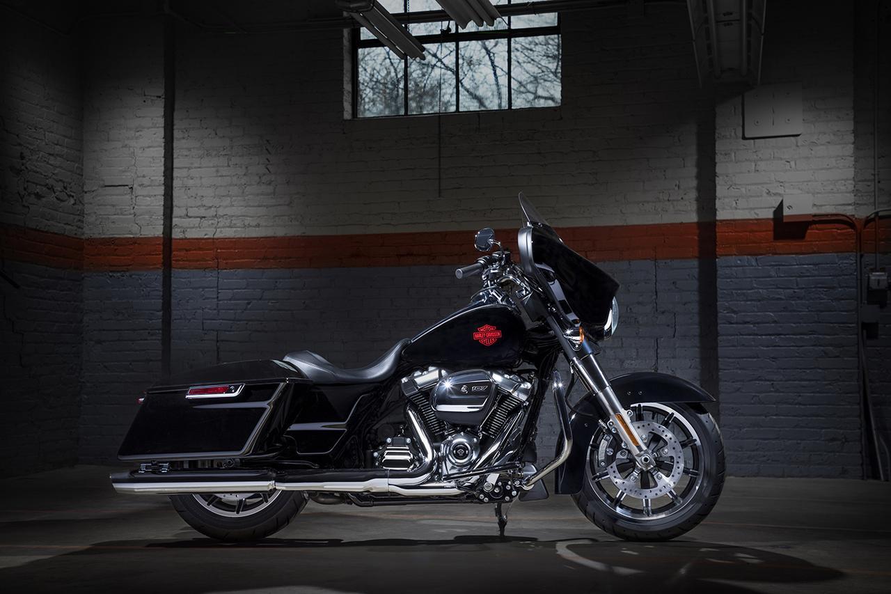 画像5: カラーはビビッドブラック1色の展開で、メーカー希望小売価格は税込290万5,200円です。