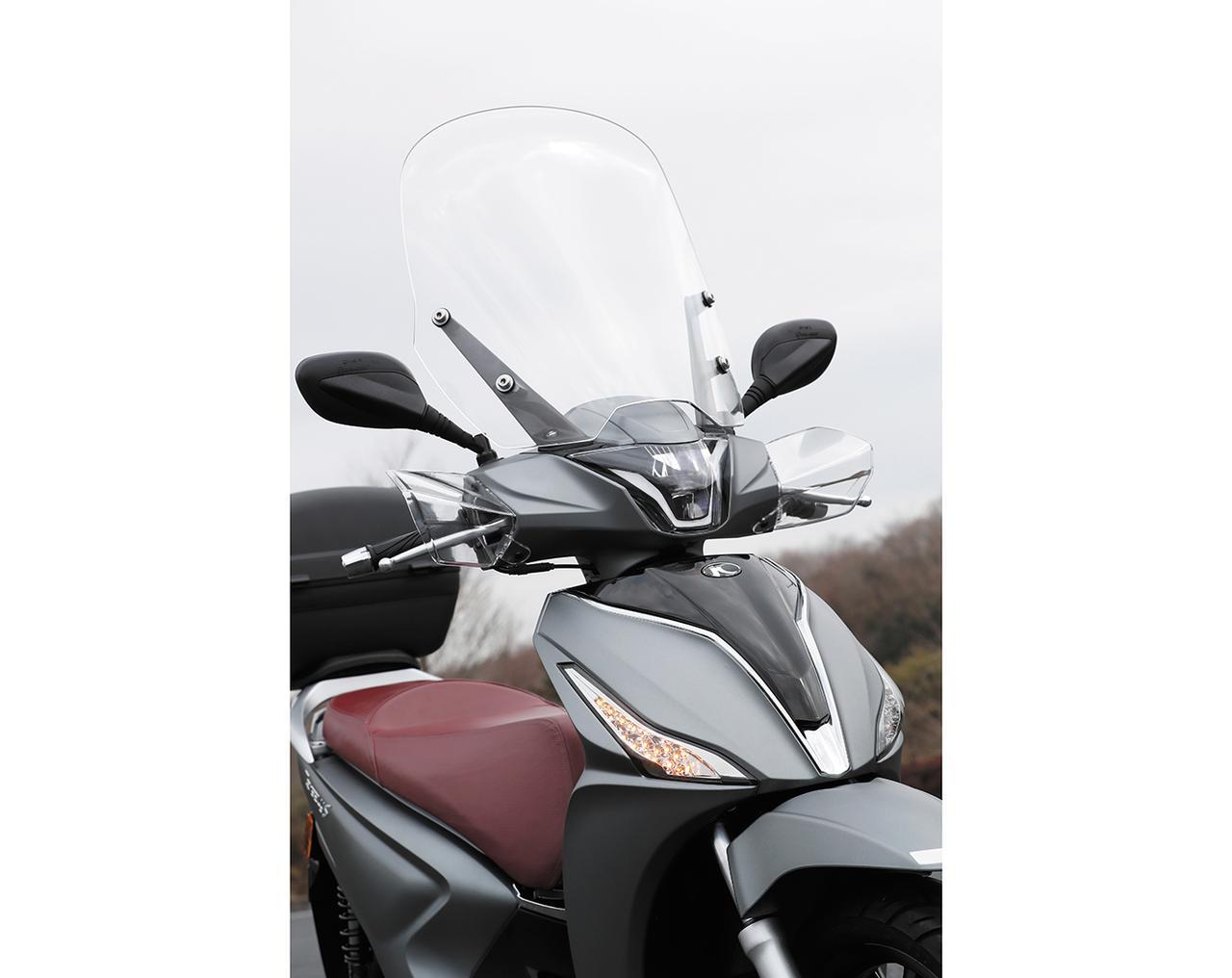 画像3: 欧州で主流の大径タイヤを装備したスクーター。その乗り心地とは?
