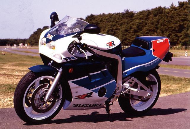 画像: レースのために造ったエンジン初代と同じボアストローク比に