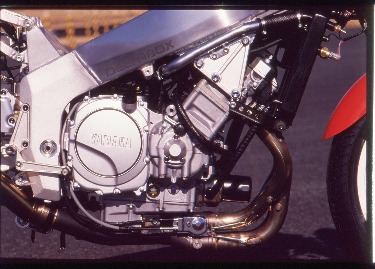 Images : 12番目の画像 - 「8耐を連覇したYZFを再現し、RC30と真っ向勝負のオーダブリュー・ゼロイチ『YAMAHA FZR750R [OW01]』【名車図鑑】」のアルバム - webオートバイ