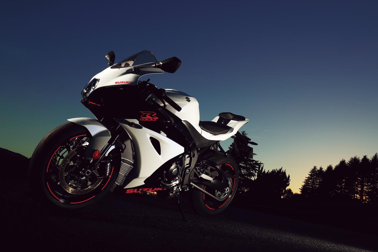 Images : 1番目の画像 - 「レギュレーションに合わせた変更を施した硬派なスーパースポーツ『SUZUKI GSX-R1000』」のアルバム - webオートバイ