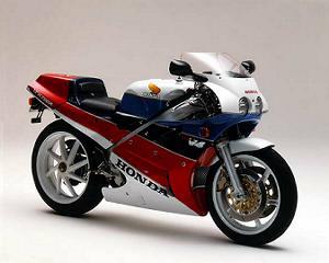 画像: スーパースポーツバイク「ホンダ・VFR750R」を発売