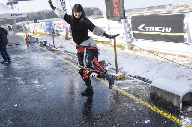 画像: 雪積もっているし…路面凍ってるし…2月10日の「レン耐」に参戦してきました!(大関さおり)