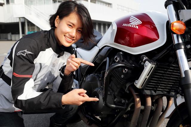 画像: STECの魅力のひとつはここ。倒しても大丈夫なバイクだから、安心してめいっぱいチャレンジできるのです。