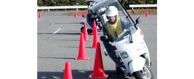 画像3: 安全運転講習の最前線、「STEC」とは!?