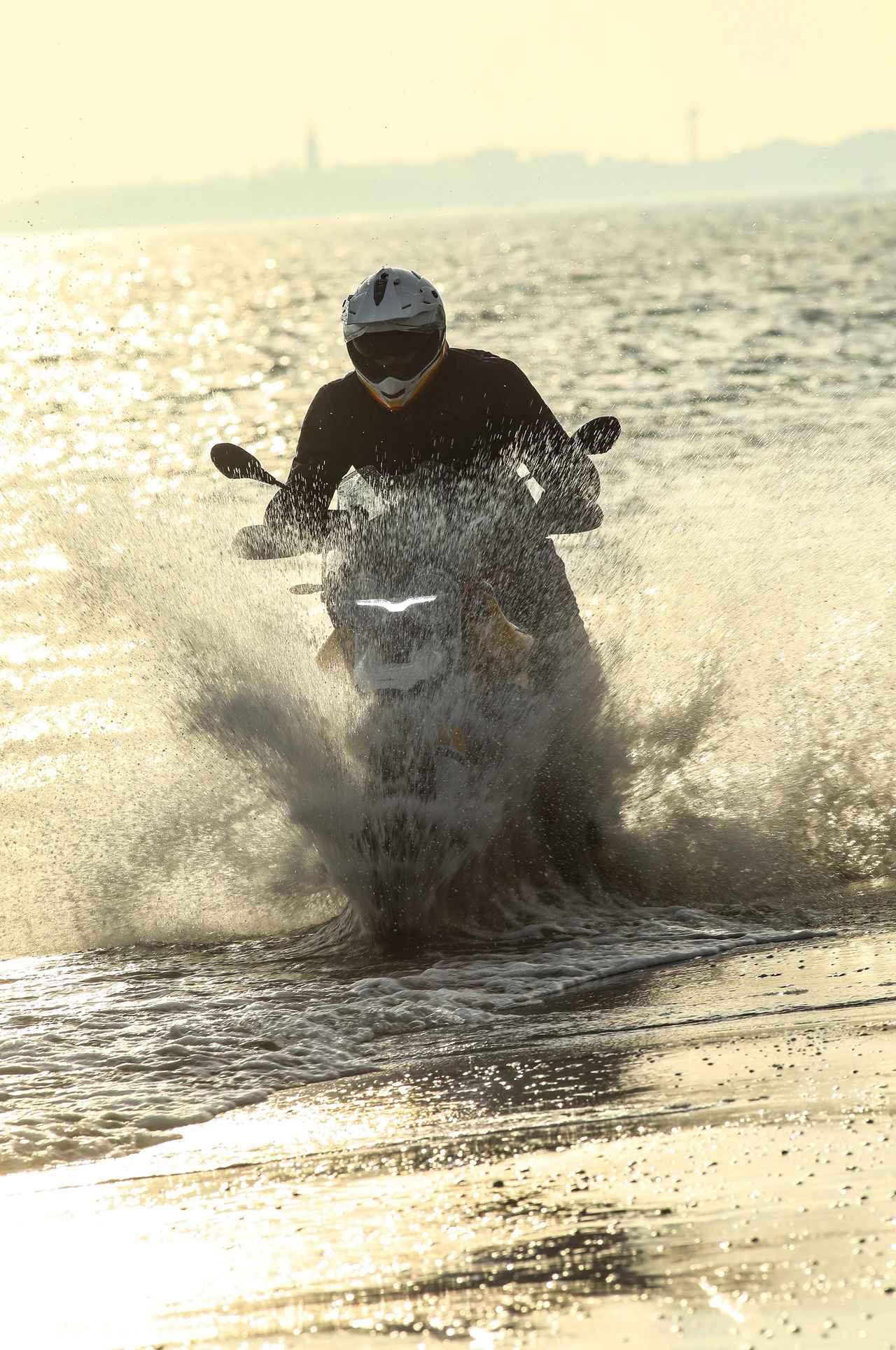 Images : 1番目の画像 - MOTO GUZZI V85TT - webオートバイ