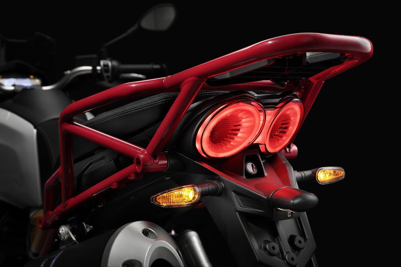 Images : 18番目の画像 - MOTO GUZZI V85TT - webオートバイ