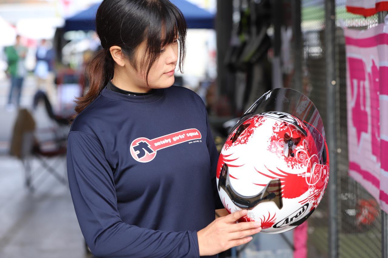 Images : 2番目の画像 - 「いよいよ大阪モーターサイクルショー始まります!「女子部ロンT」を初の一般販売! 『Motoジム!』『バイク擬人化菌書』のサイン本も!」のアルバム - webオートバイ