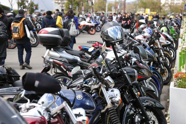 画像: 車種はさまざま。来場者のバイクを見ているだけでも一日楽しめます。